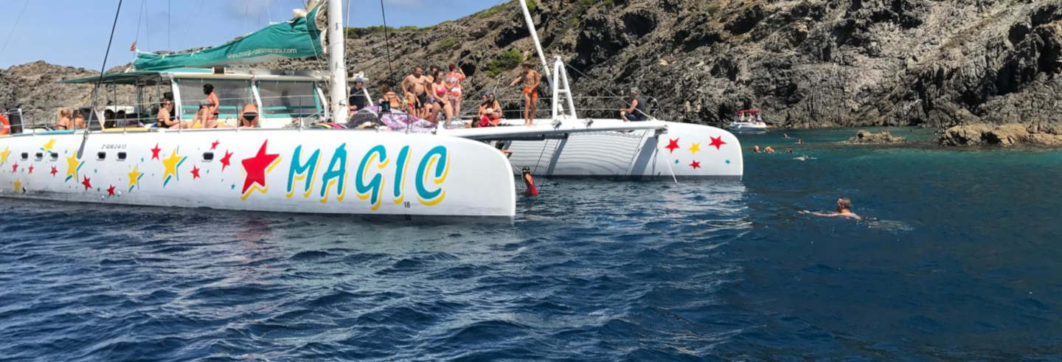 Paseo en catamarán por el Cabo de Creus