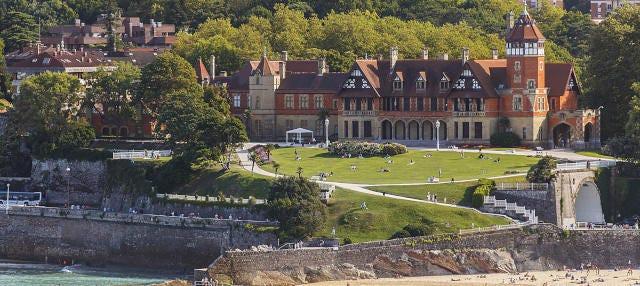 Tour por los parques y palacios de San Sebastián