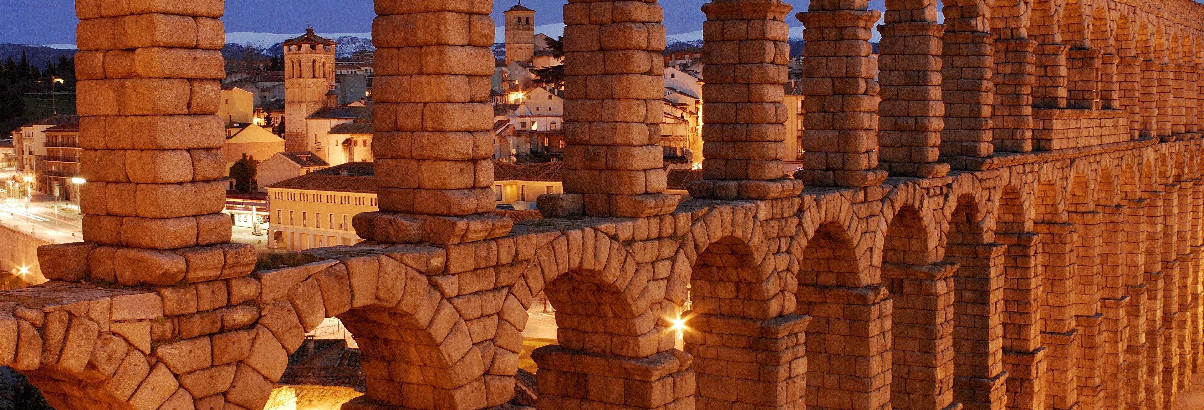 Visita guiada por Segovia + Catedral y Alcázar