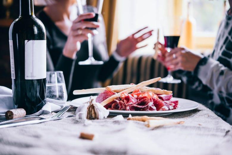 Dégustation de vins et de tapas