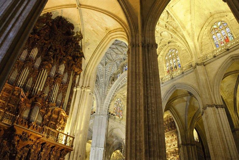 Visita guiada por la exposici n murillo en la catedral de for Exterior catedral de sevilla