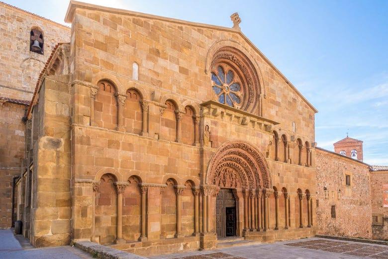 Tour de misterios y leyendas por Soria - Reserva en Civitatis.com