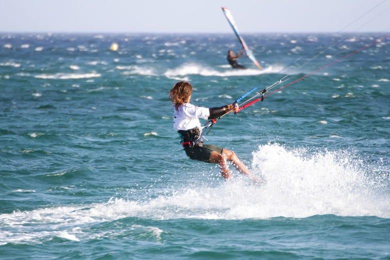 Cours de kitesurf de 2 jours à Tarifa