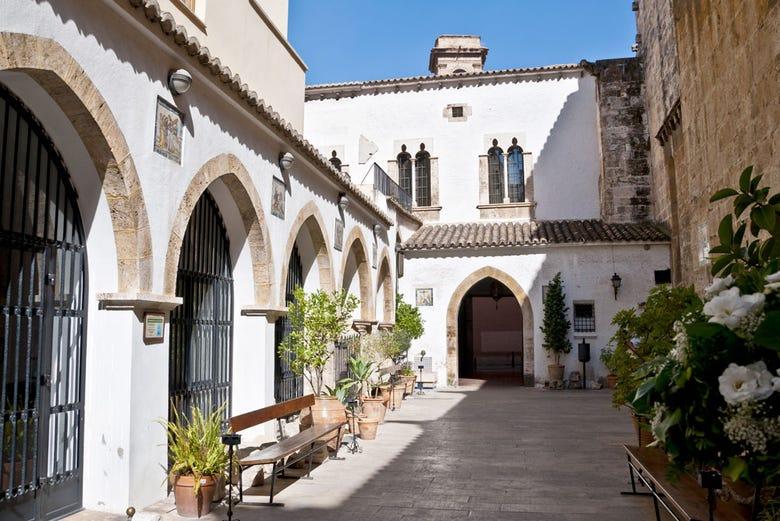 Visite des églises et du Saint Calice de Valence