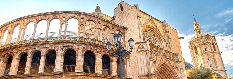 Tour de las iglesias y el Santo Grial de Valencia