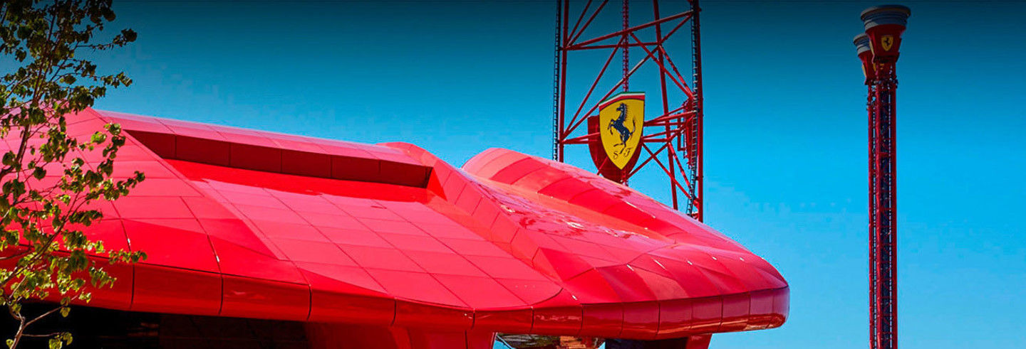 Ingresso do Ferrari Land