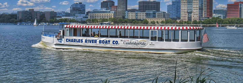 Paseo en barco por el río Charles