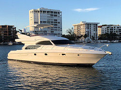 Discovering Miami by yacht