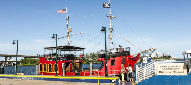 Paseo en barco pirata por Miami