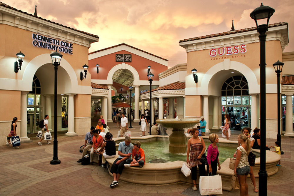 uk cheap sale first look wholesale outlet Orlando Outlets Trip