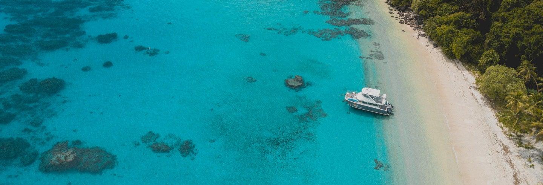 Excursão à Ilha Yanuca de catamarã