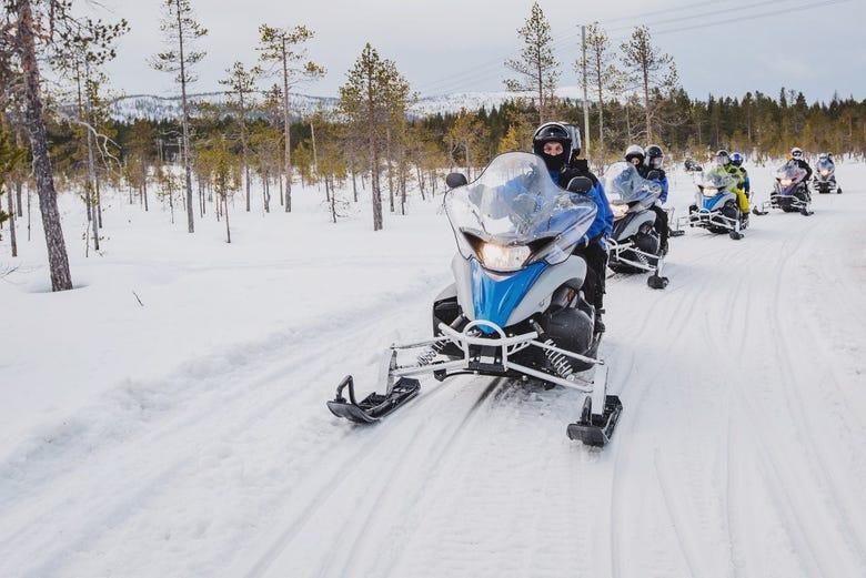 Resultado de imagen de Motos de Nieve.