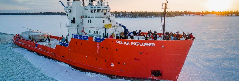 Passeio de navio quebra-gelo + Flutuação no mar de Bótnia