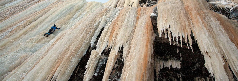 Escalade sur glace au canyon de Korouoma