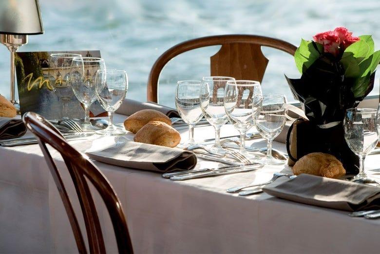Déjeuner-croisière sur la Seine