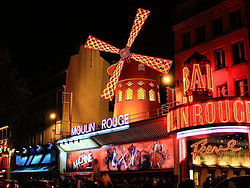 ,Cena,Torre Eiffel,Moulin Rouge