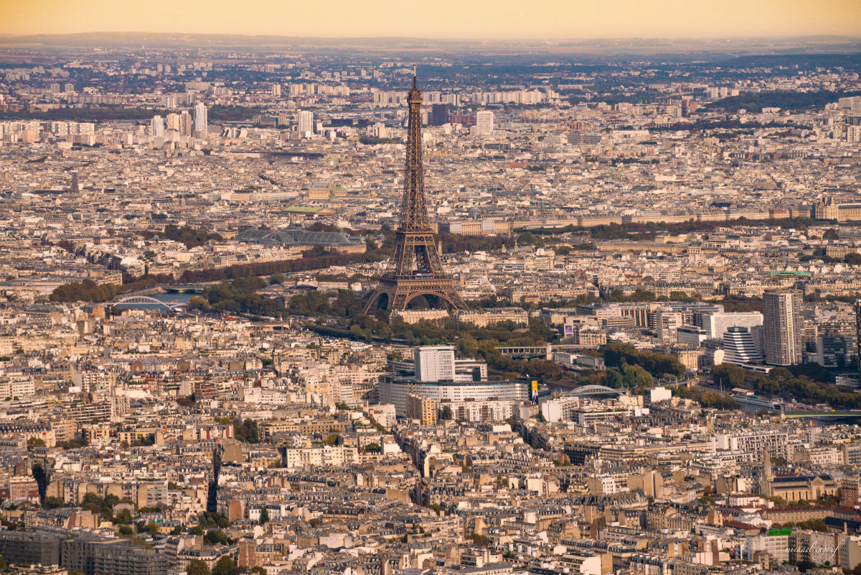 Balade en hélicoptère au-dessus de Paris