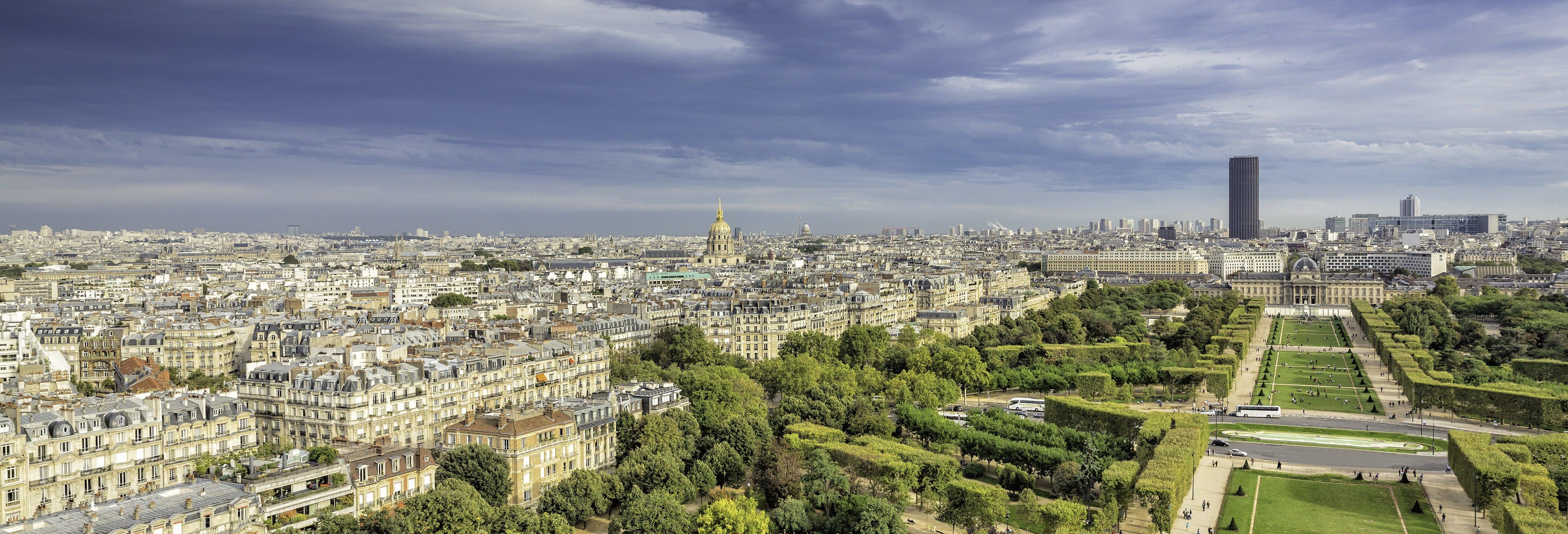 Passeio de helicóptero por Paris