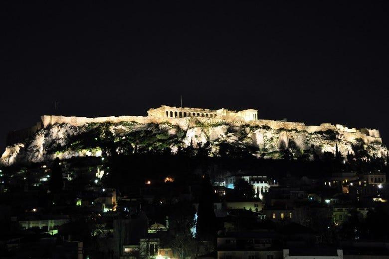 Acrópolis al anochecer