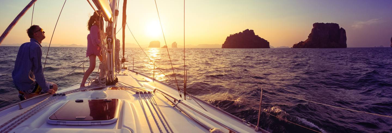Paseo en barco al atardecer con barbacoa