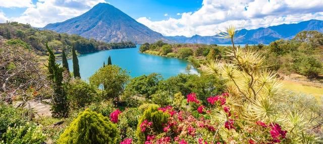 Lago Atitlán + Paseo en barco a Santiago