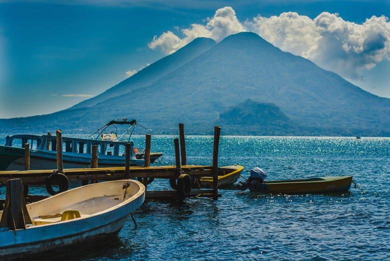 lac atitlan guatemala