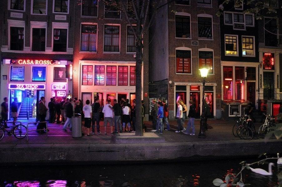 Barrio rojo de msterdam qu es y c ando ver el barrio rojo for Hoteles en el centro de amsterdam
