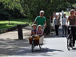 Bicicleta con niños por Vondelpark