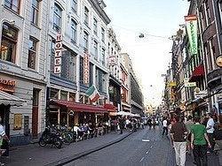 Calle de restaurantes en Amsterdam