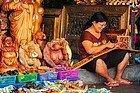 Artista en mercado tradicional