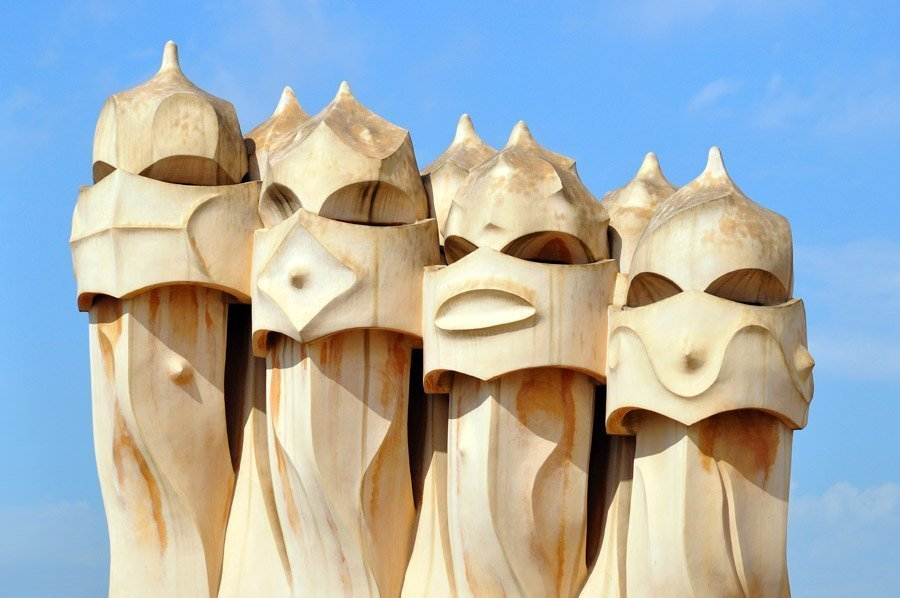 La pedrera casa mil opening hours and tickets in - Chimeneas barcelona ...