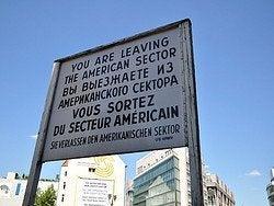 Checkpoint Charlie, dejando el sector americano