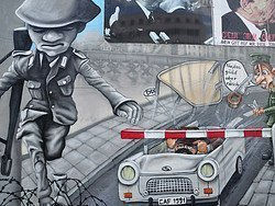 East Side Gallery, Grafiti