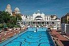 Balneario Gellert, piscina exterior