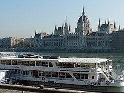 Recorriendo el Danubio en barco