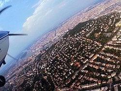 Sobrevolando Budapest en avioneta