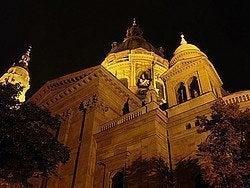 Basílica de San Esteban: Vista lateral