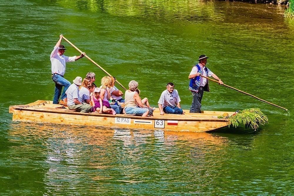 Balsa tradicional para descender el río