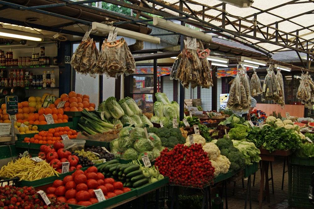 Visitando un mercado local en Cracovia