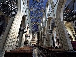 Basílica de la Santa Trinidad, interior