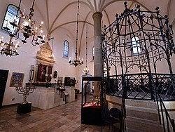 Sinagoga Vieja, interior