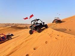 Disfrutando del desierto en buggy