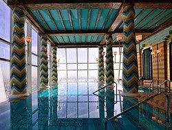 Burj Al Arab, piscina interior
