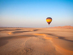 Paseo en globo por el desierto de Al Ain