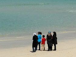 Musulmanes en la playa
