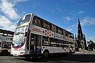 Autobús recorriendo Princes Street