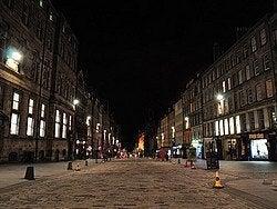 Royal Mile al caer la noche