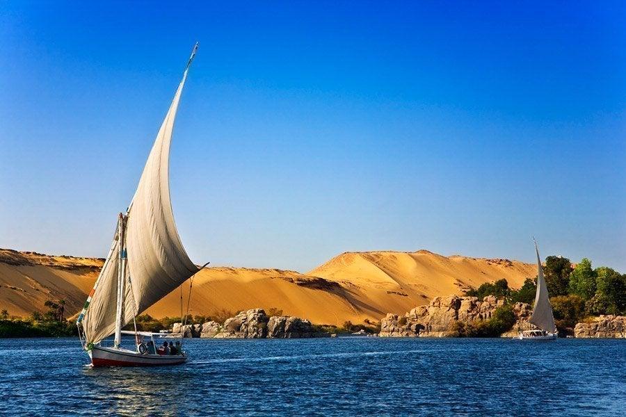 Falucas surcando el Nilo