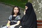 Madre con su hija en el Parque Gulhane