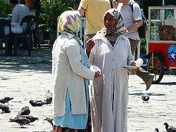 Mujeres en la plaza de Beyazit